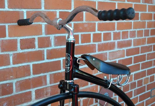 The latest style handlebars - click to enlarge